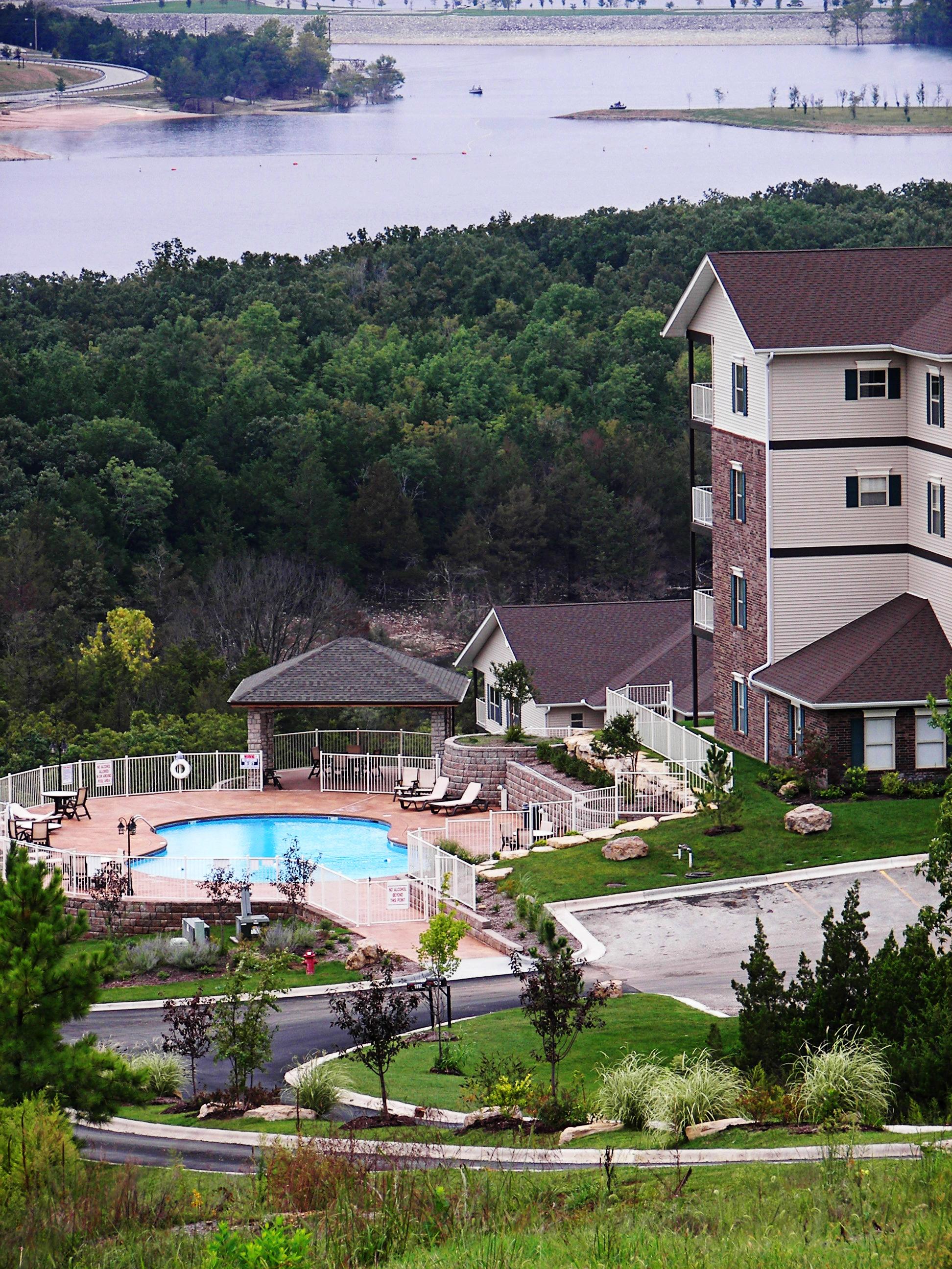 Condo amenities branson lake condos for Branson cabins and condos